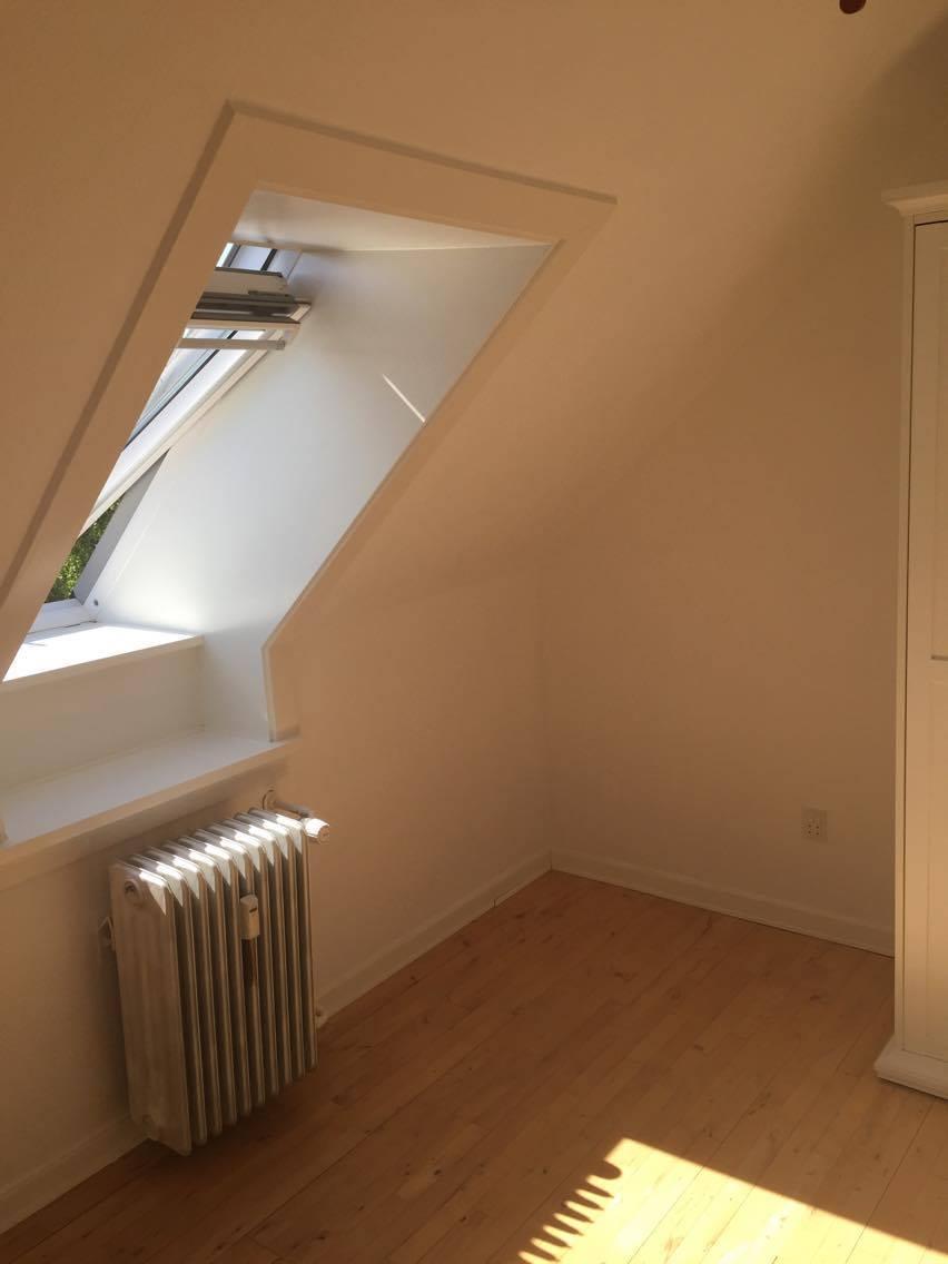 Søger flink roomate til 3 værelses lejlighed i Roskilde.