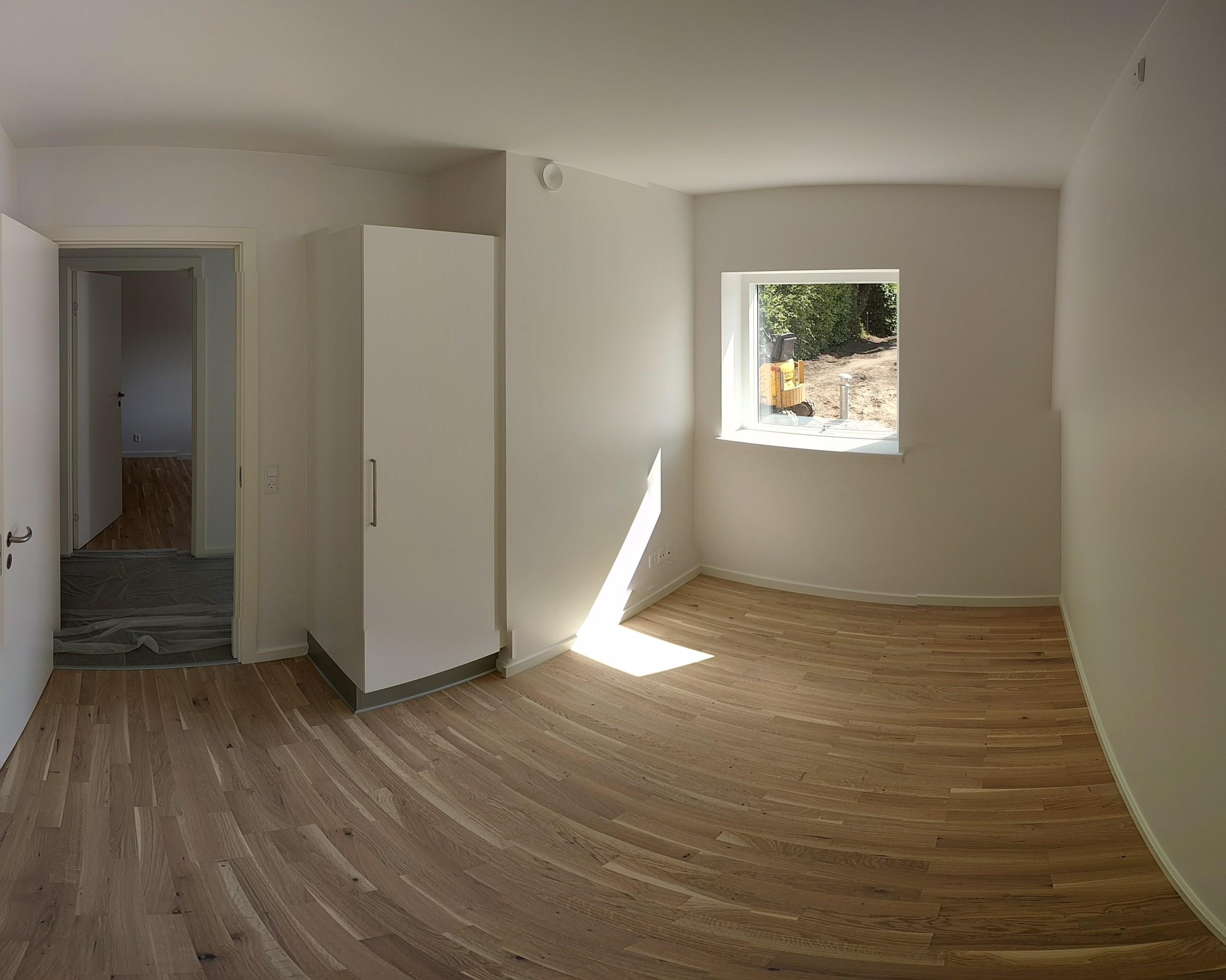 Lyst værelse i 3-værelses lejlighed, tæt på Uni, fremlejes.