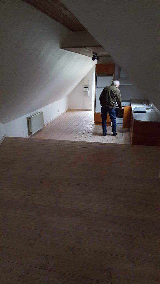1 sals-lejlighed i et hus i Hjallese, 64 m2