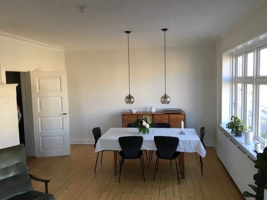 2 væresler udlejes i lejlighed tæt på centrum