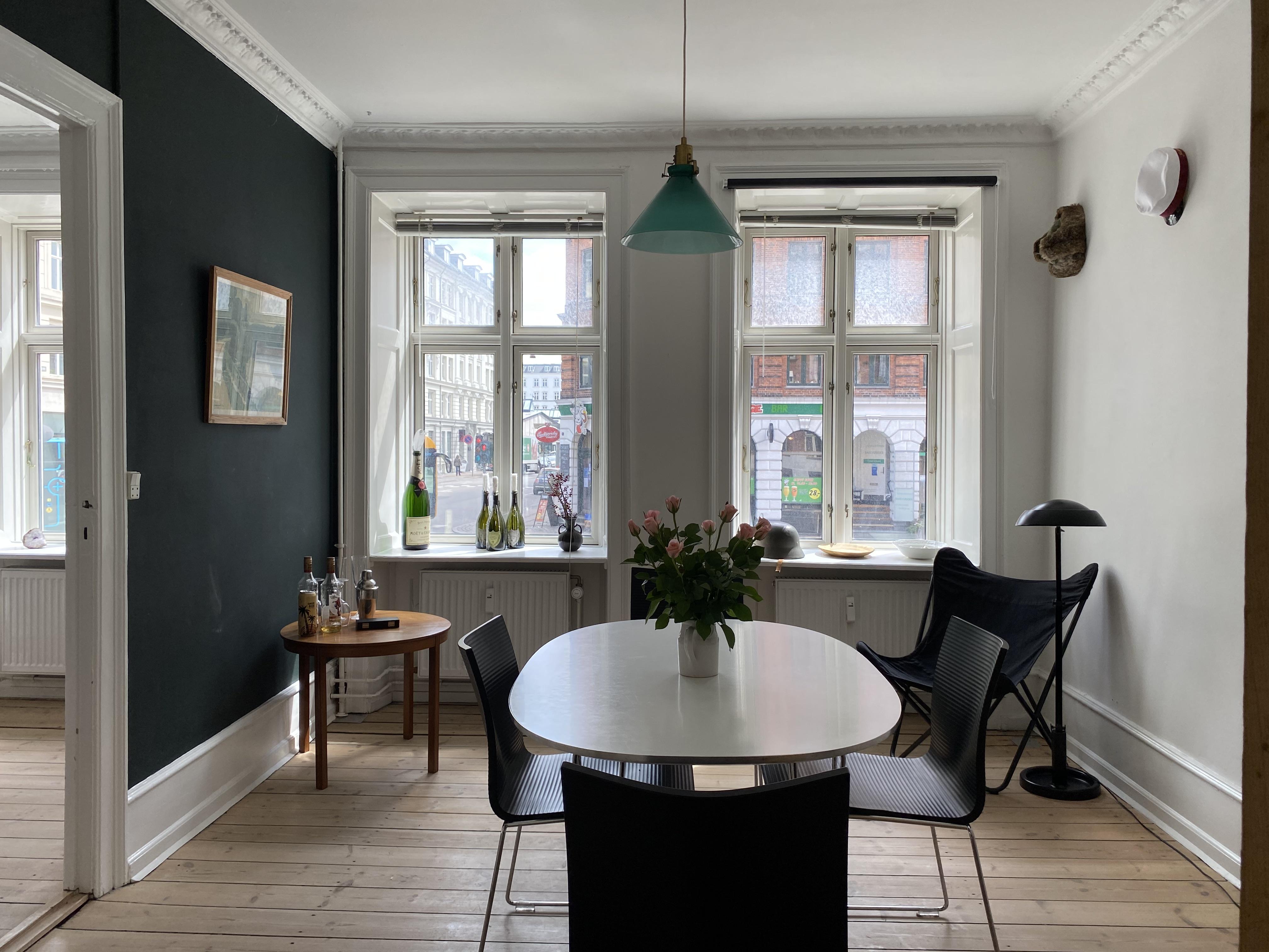 Roomie søges til et skønt, lyst værelse i København K