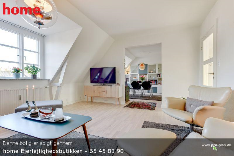 Værelse til leje i en lækker, stor lejlighed beliggende centralt i Odense C.