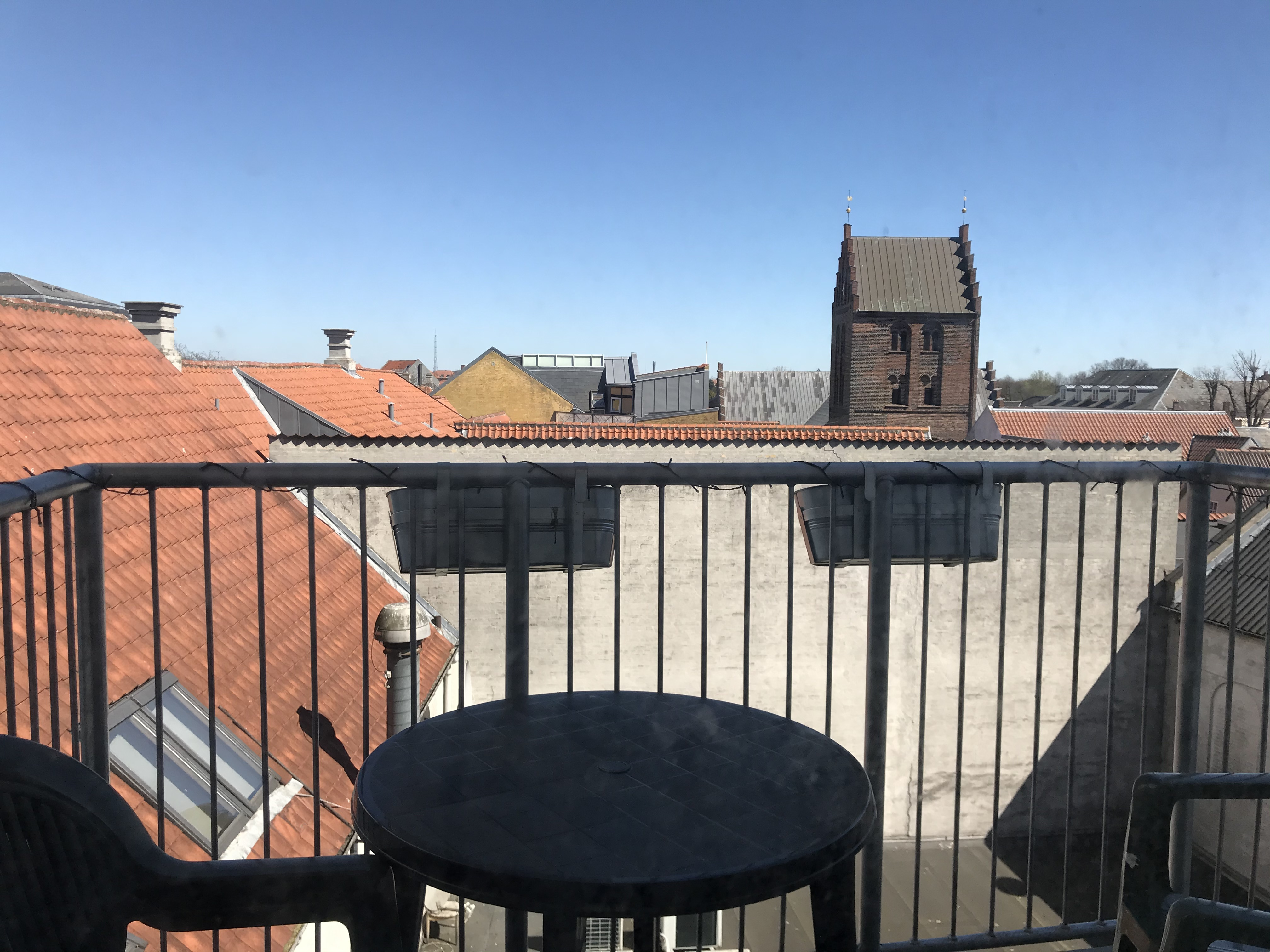 Seeking new roomies for 160 m2 apartment in cozy living community in Overgade;)