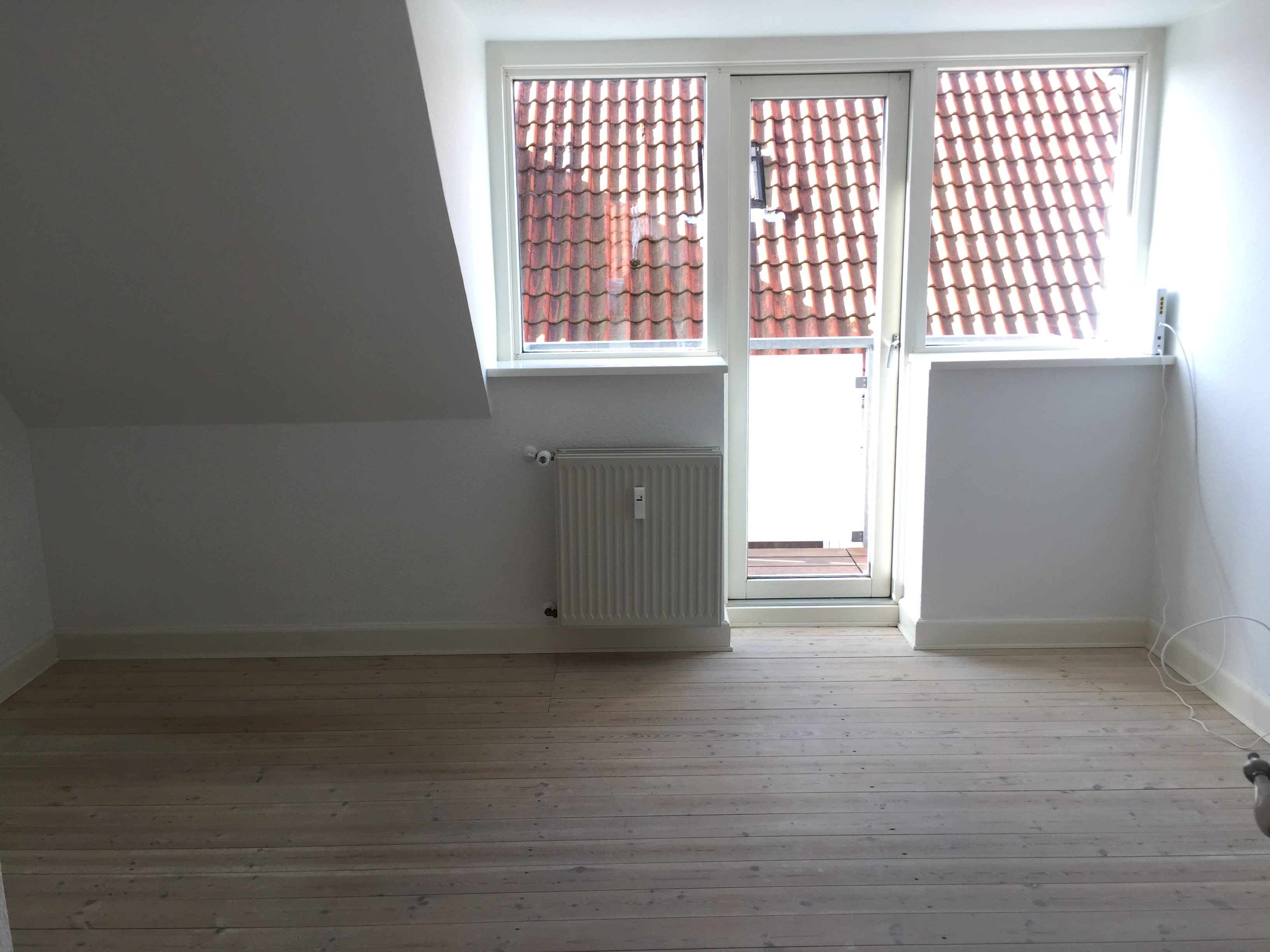 Lovely 15 m2 room with balcony