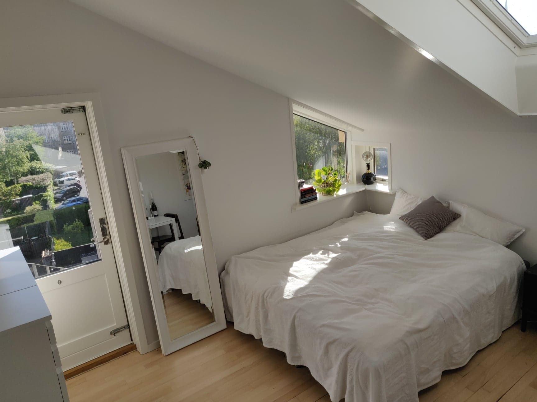 Large, bright room in the middle of Aarhus. From 1/7
