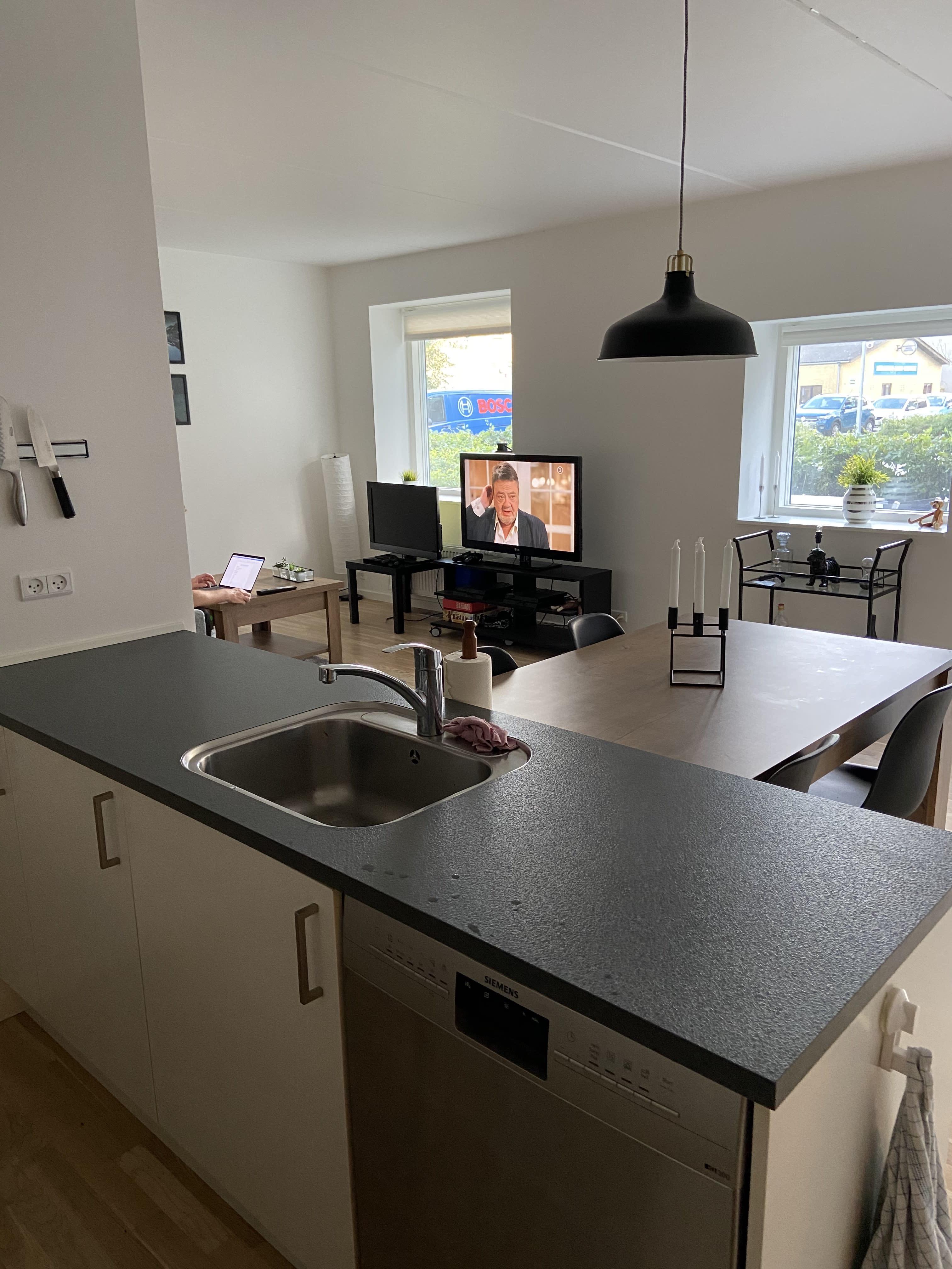 Roomie søges til lejlighed i Aabyen 500 meter fra Aarhus C