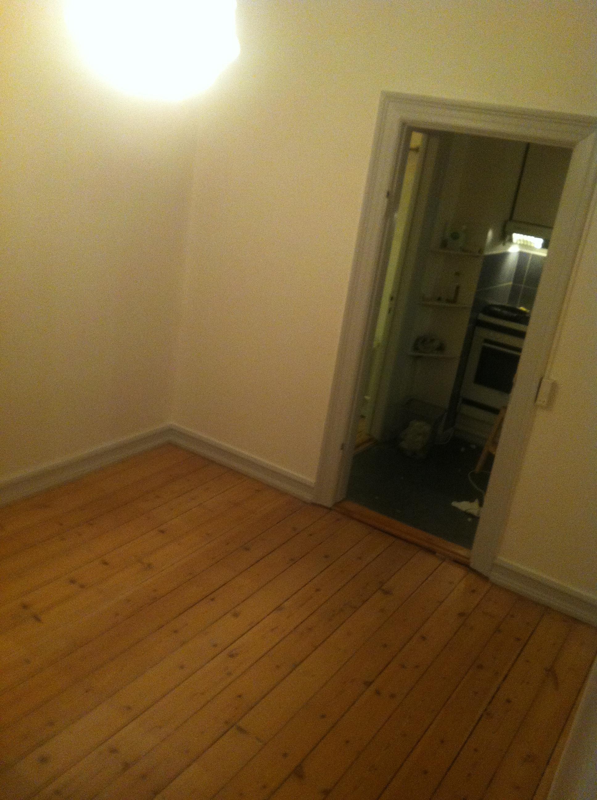 Søger lejer til 11m2 værelse midt i Odense