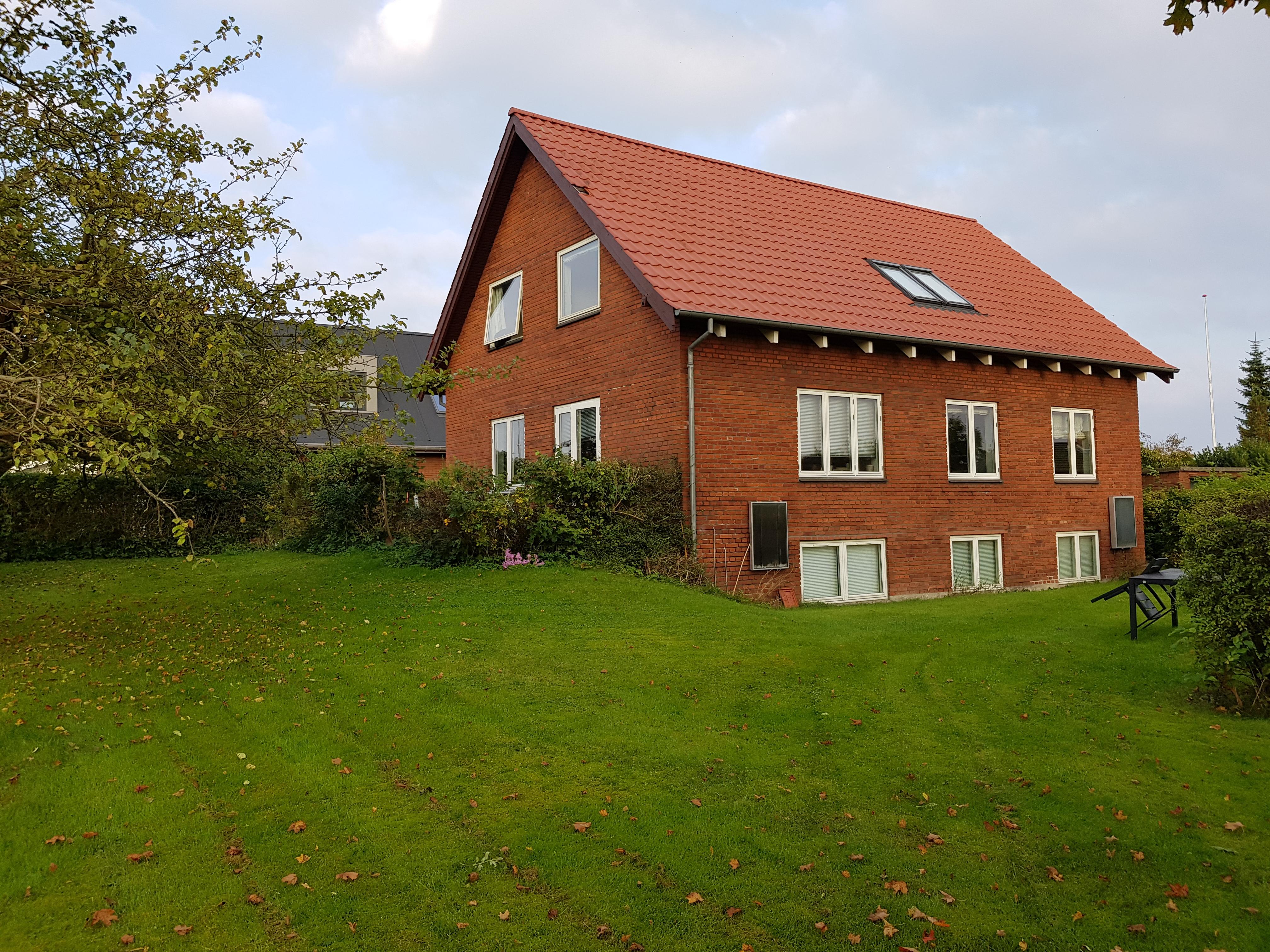 1,3 Km fra Århus Uni udlejes 2 værelser  på ialt 25 m2