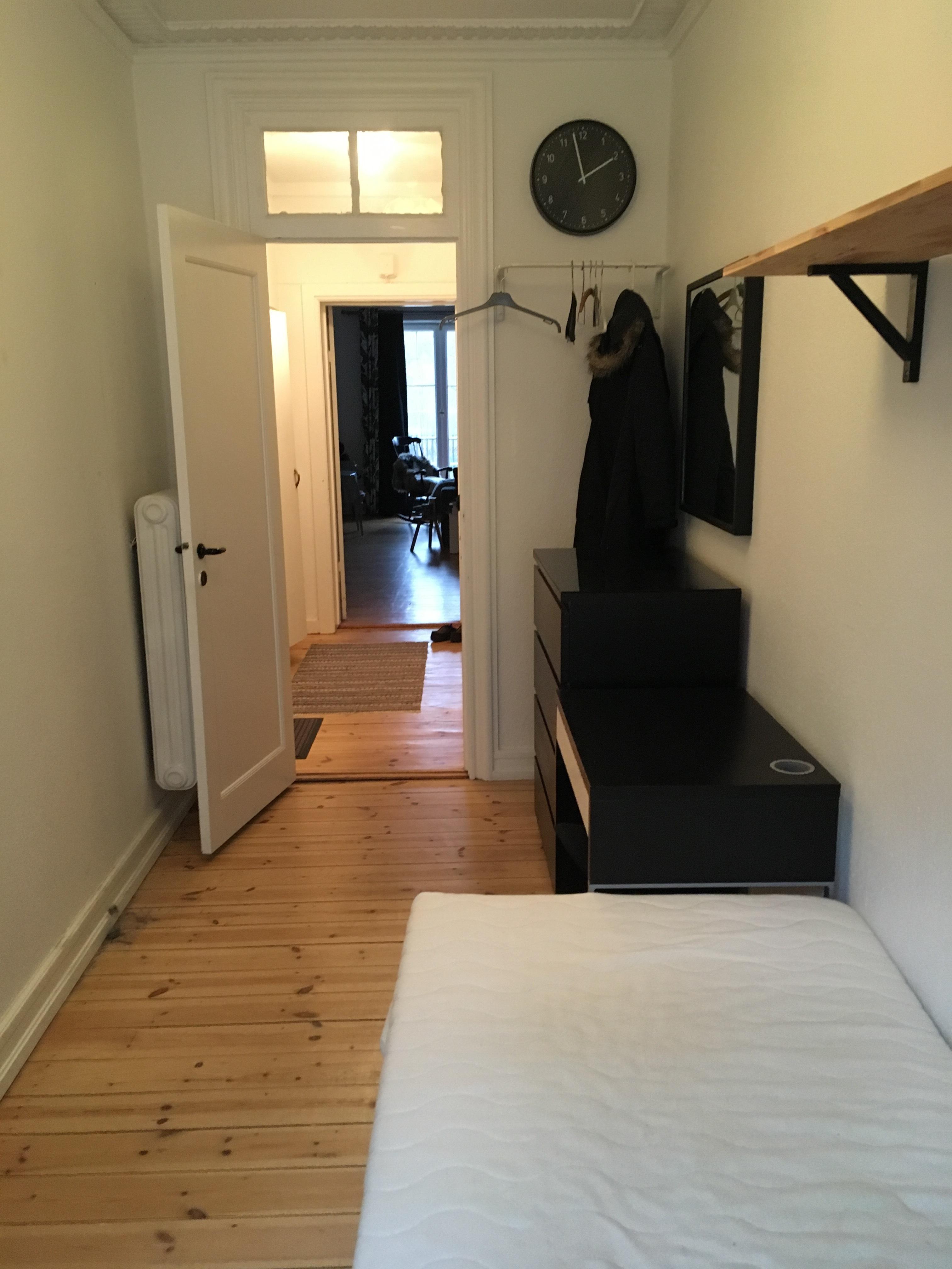 ny lejer søges til 8m2 værelse med egen lille altan. i centrum af københavn