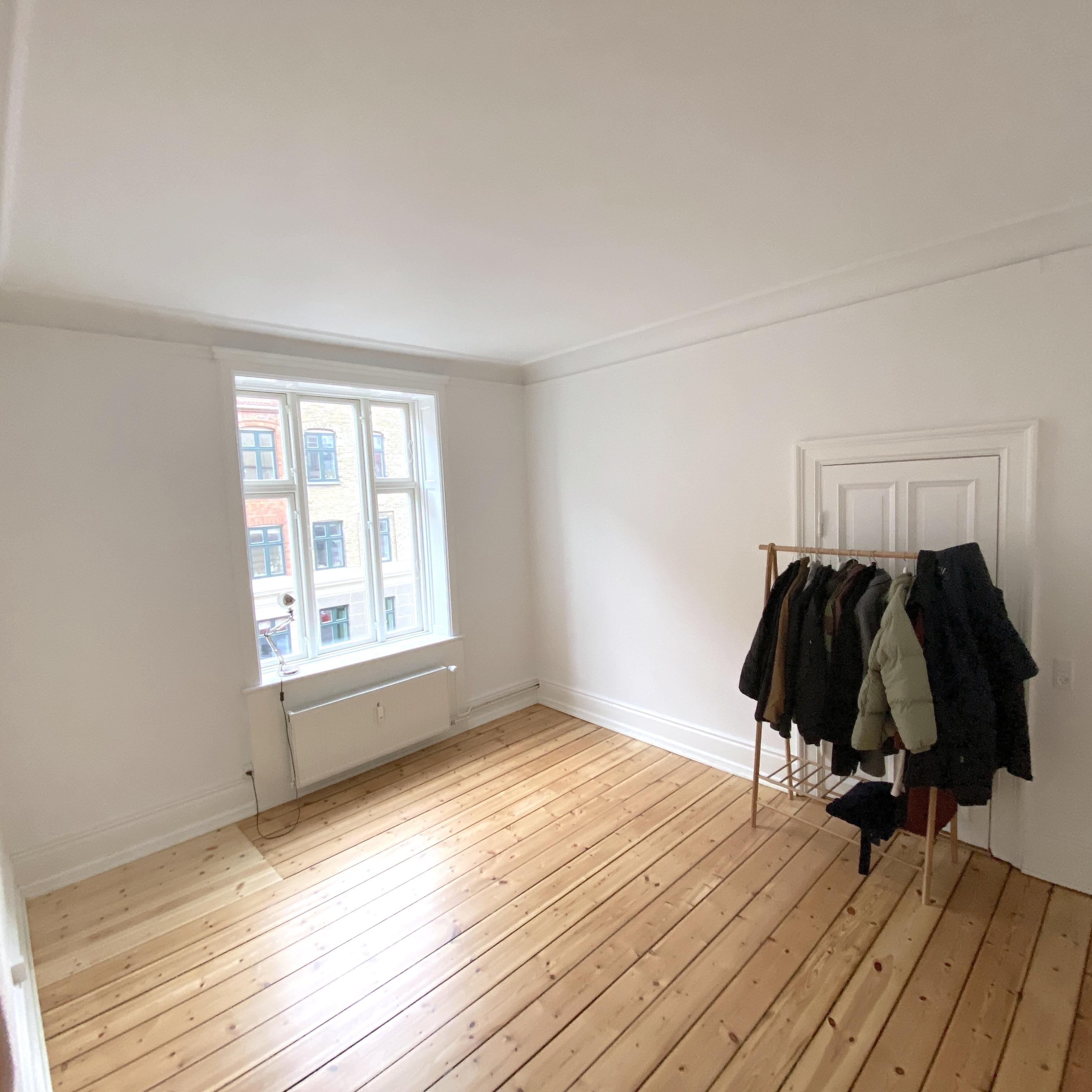 40 m2 in big apartment