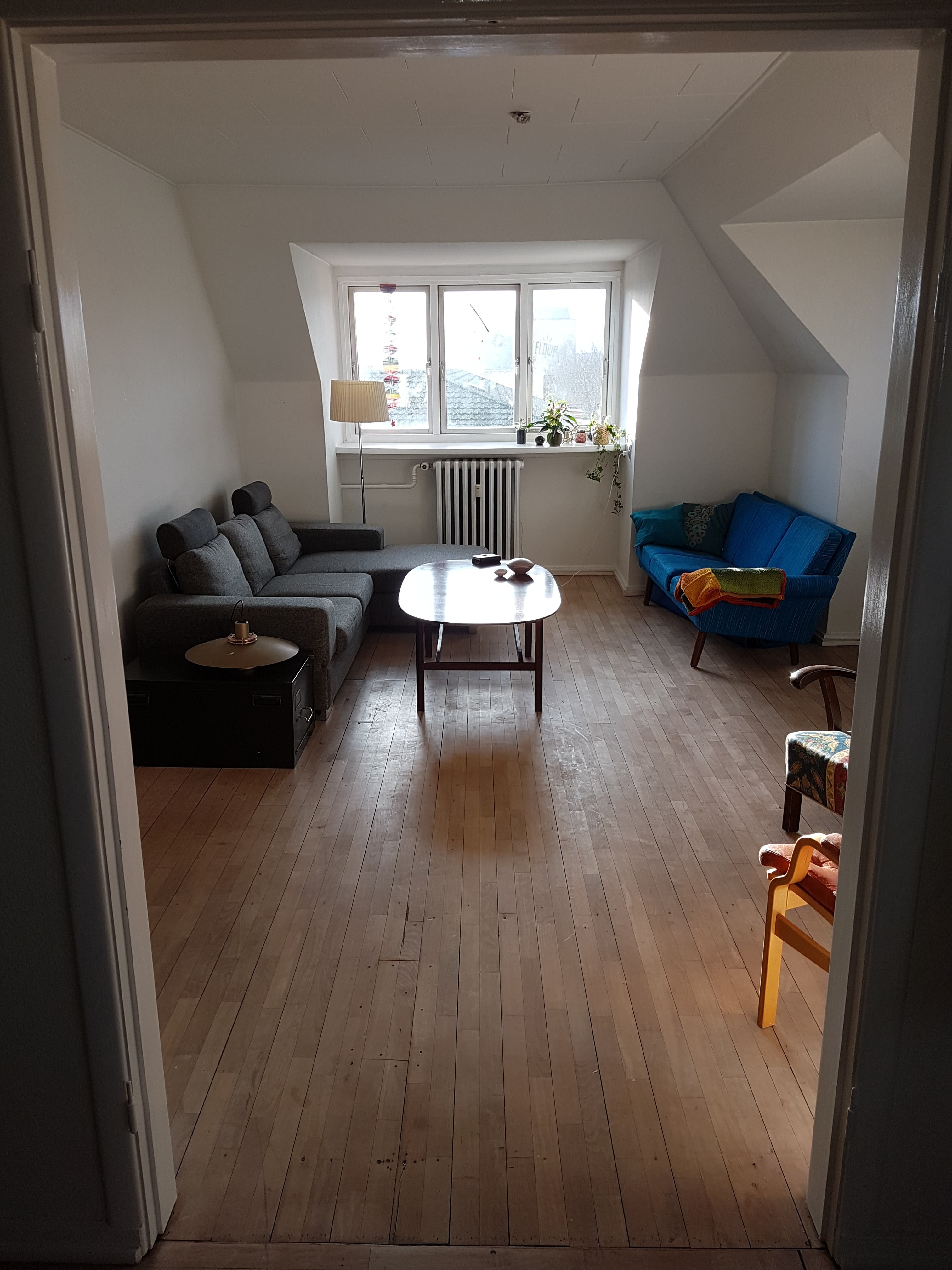 All-inclusive room in nice central 5-room apartment