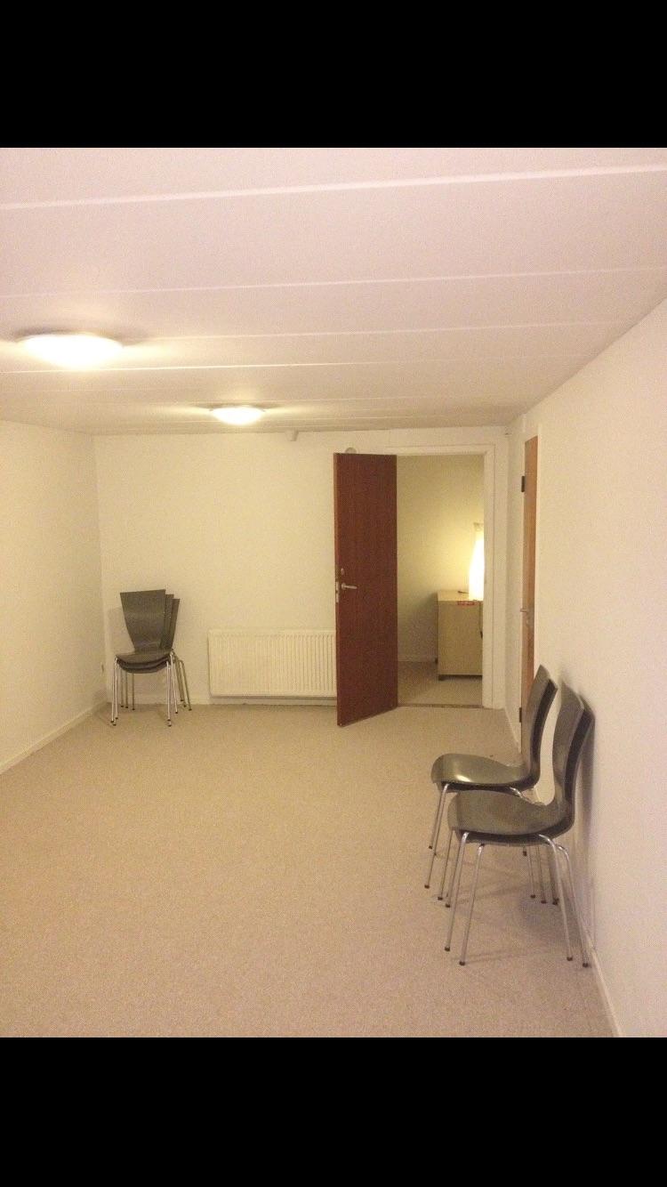 3 værelser i kælder