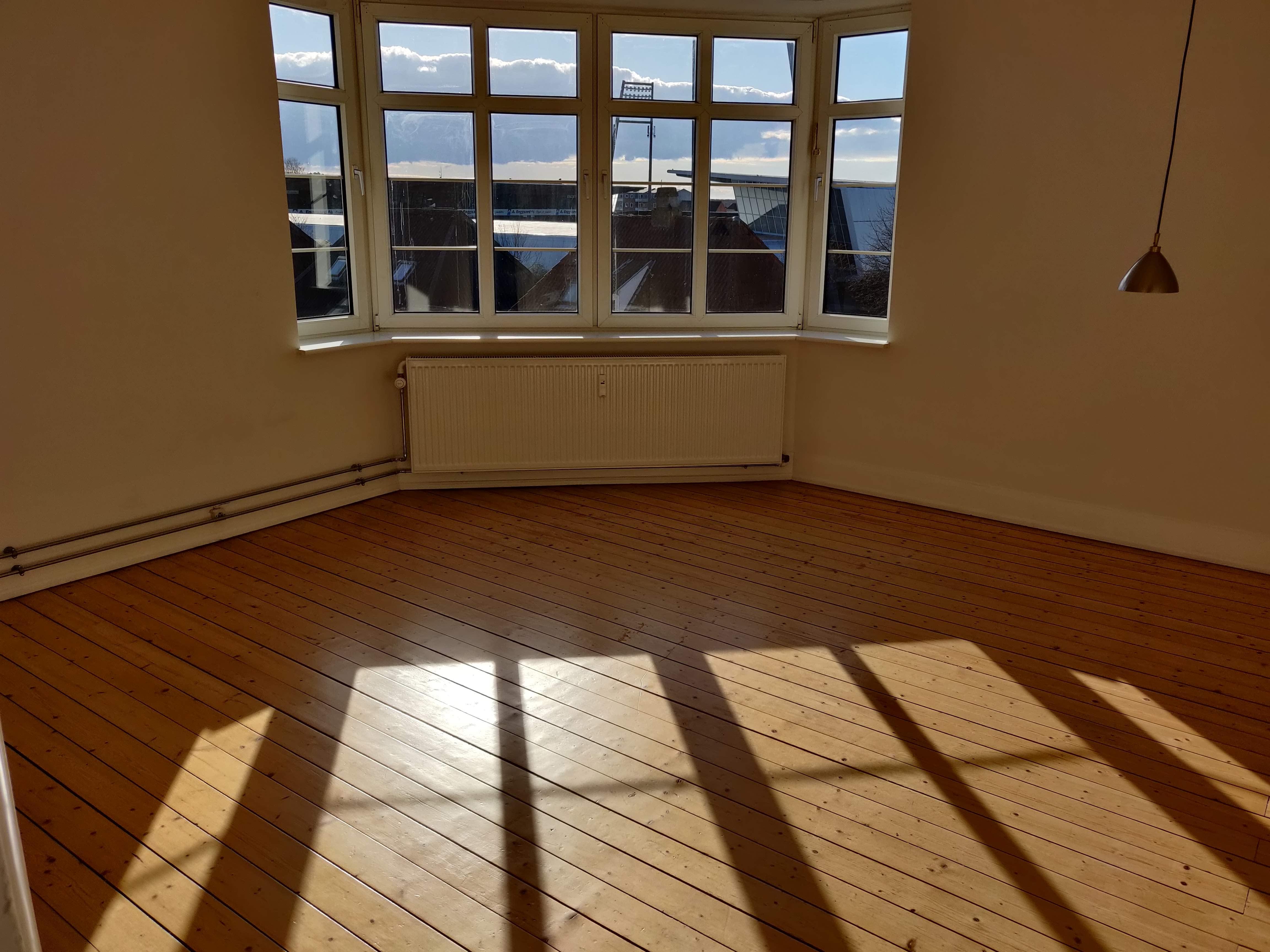 Værelse i 4-værelses lejlighed på 124 m2