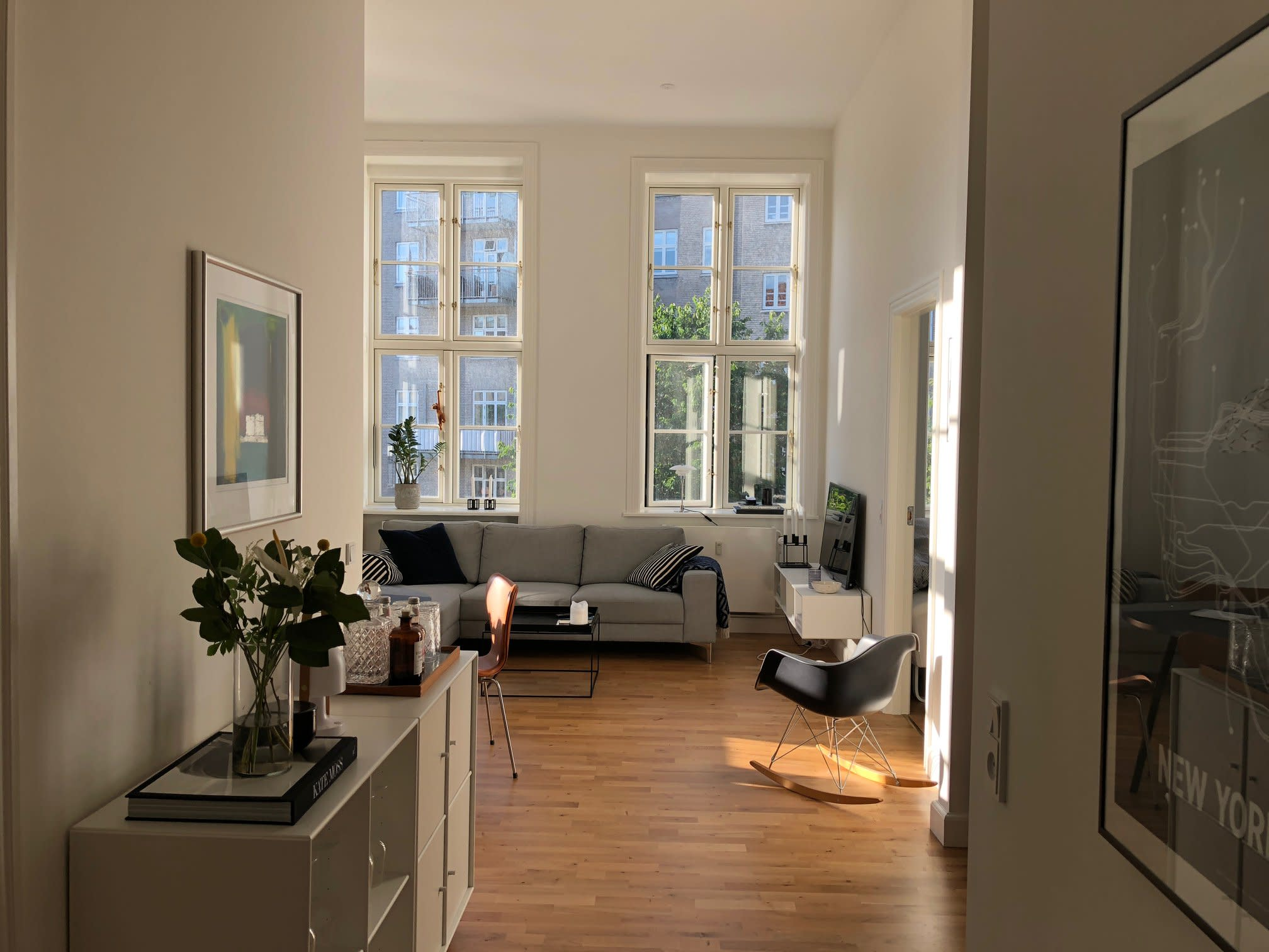Available 2 Bedroom Apartment